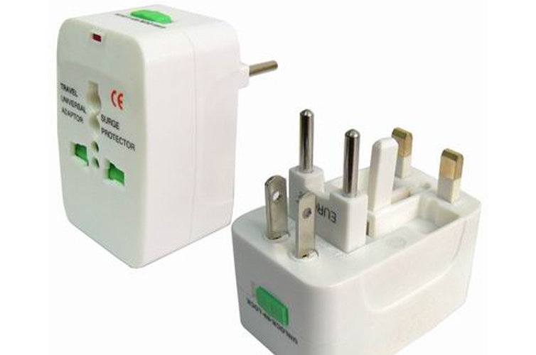 travel-adapter-tips