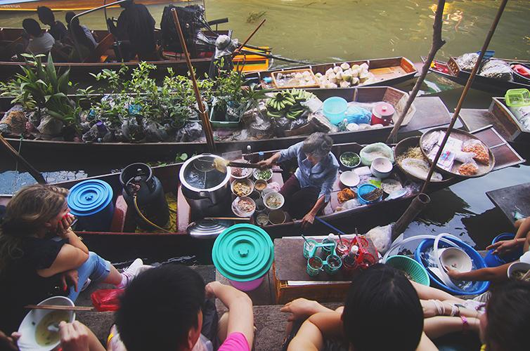 Pad-Thai-Street-Food-Thailand