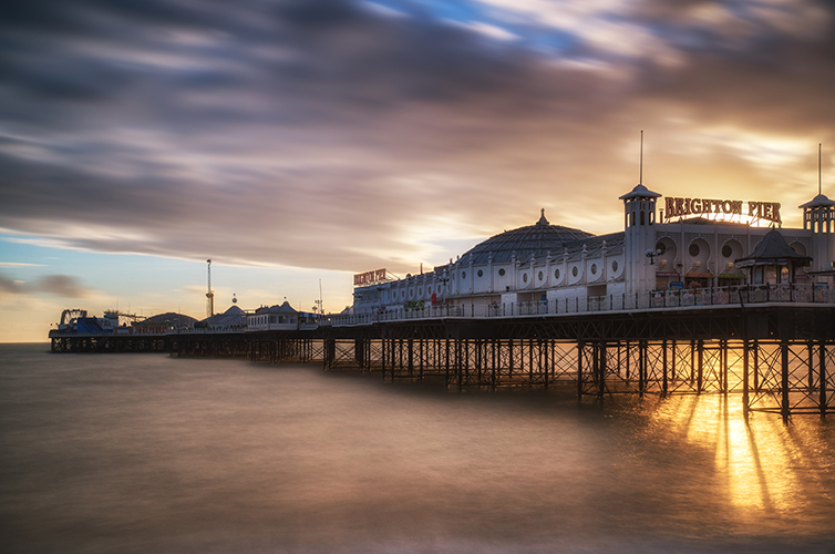 brighton-uk-beach-town-pier