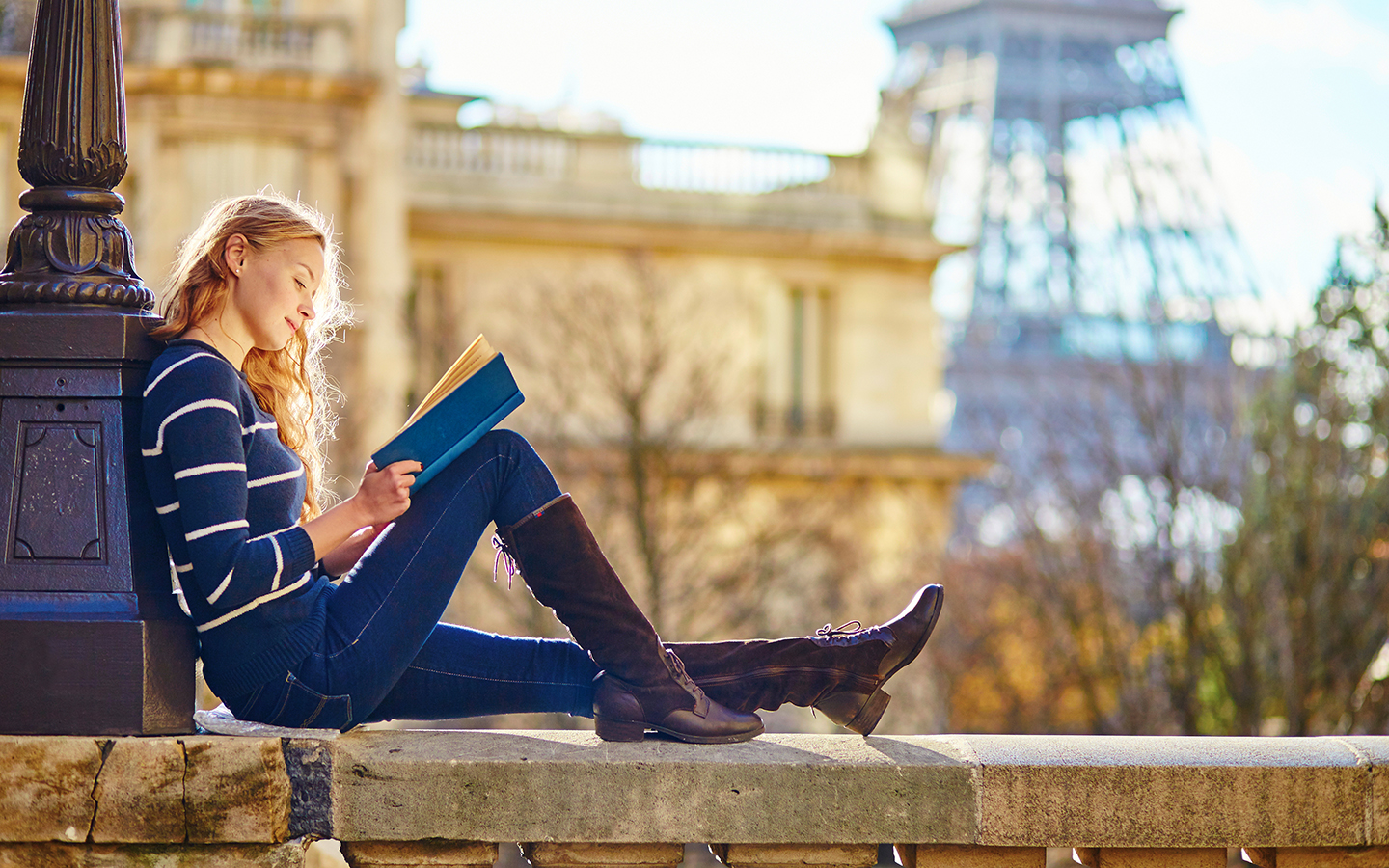 reading-a-book-holiday